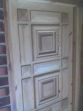 Como decapar una puerta de madera y un mueble for Como cambiar las puertas de casa