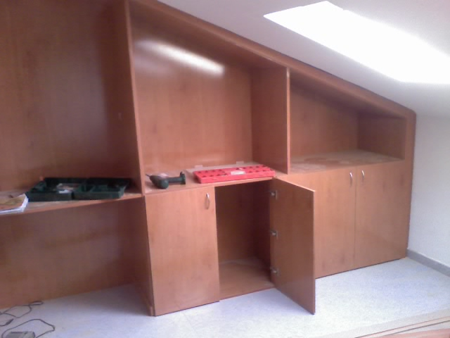 Forrado de interiores de armarios empotrados en avila - Como hacer puertas de armario ...