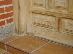 Como decapar una puerta de madera y un mueble for Decapante para madera